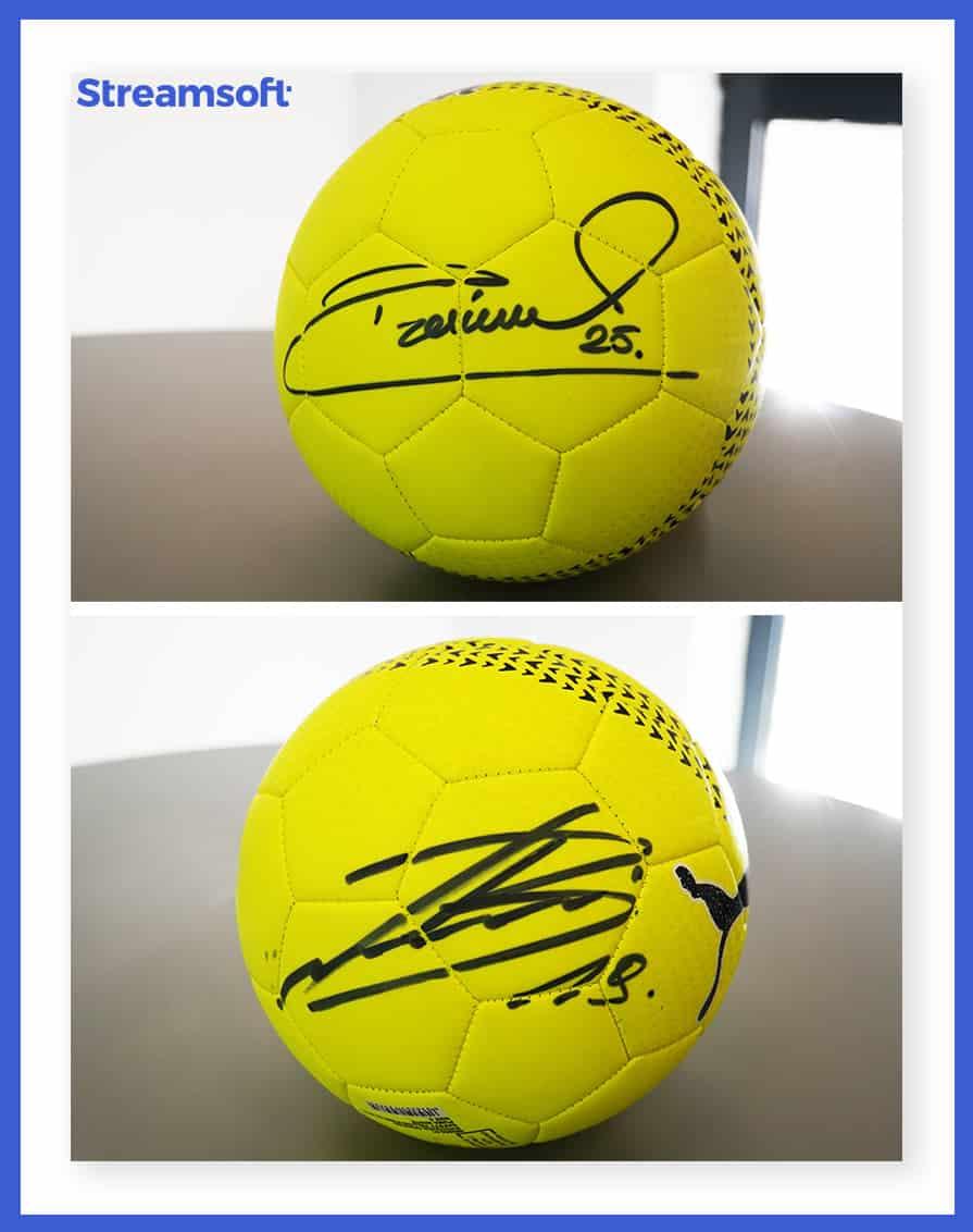 Piłka z autografem